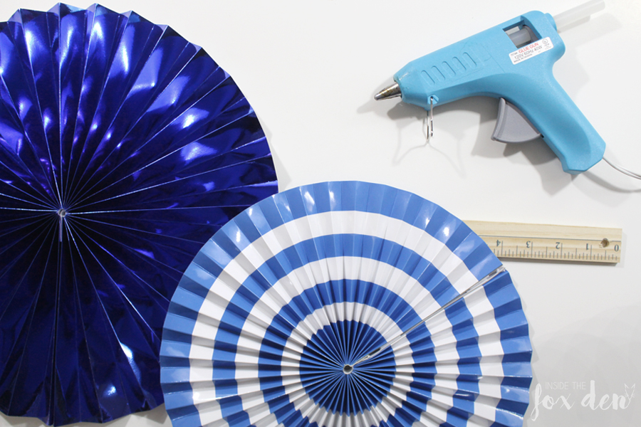 DIY Paper Fan Photo Booth Backdrop